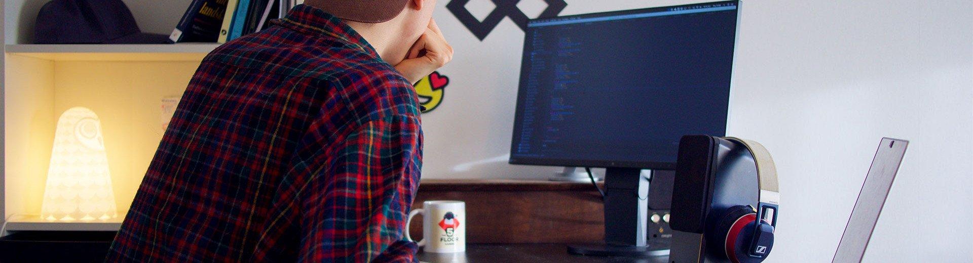 """Okładka artykułu Przekazywanie projektu graficznego programiście — Czyli jak przygotować """"paczkę"""" do pocięcia strony"""