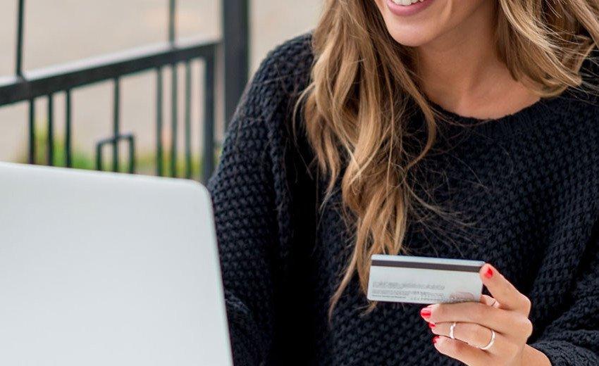 Okładka artykułu Świat mobilnych zakupów — Jak powinien wyglądać sklep na komórkę