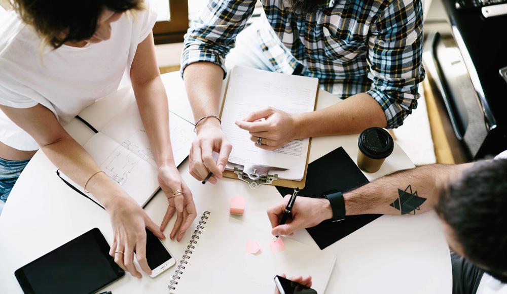 Profil zespołowy na Dribbble - wsparcie biznesowe czy strata czasu?