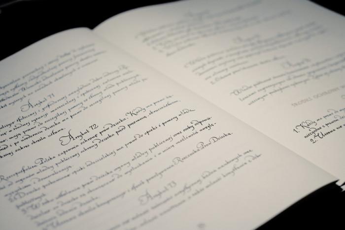 piekno-kaligrafii-w-polskiej-konstytucji-wywiad-z-ewa-landowska05