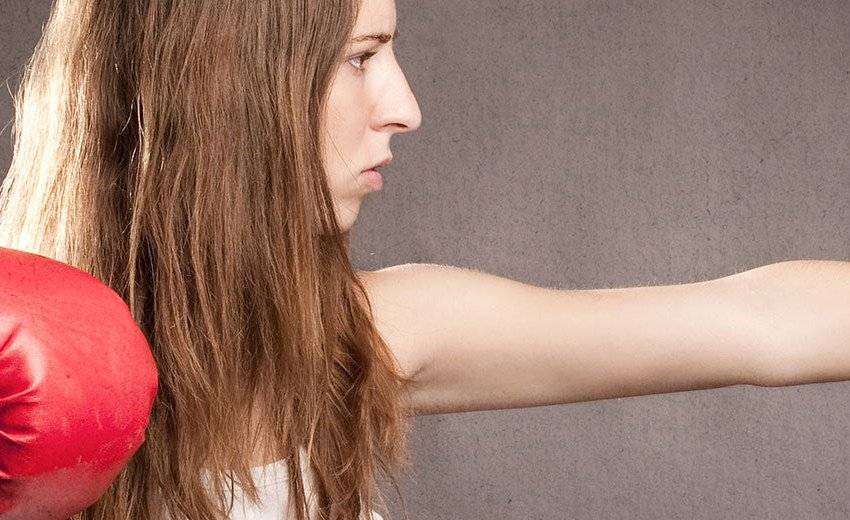 Okładka artykułu Wizerunk kobiet w reklamach — Czy należy walczyć z seksizmem?
