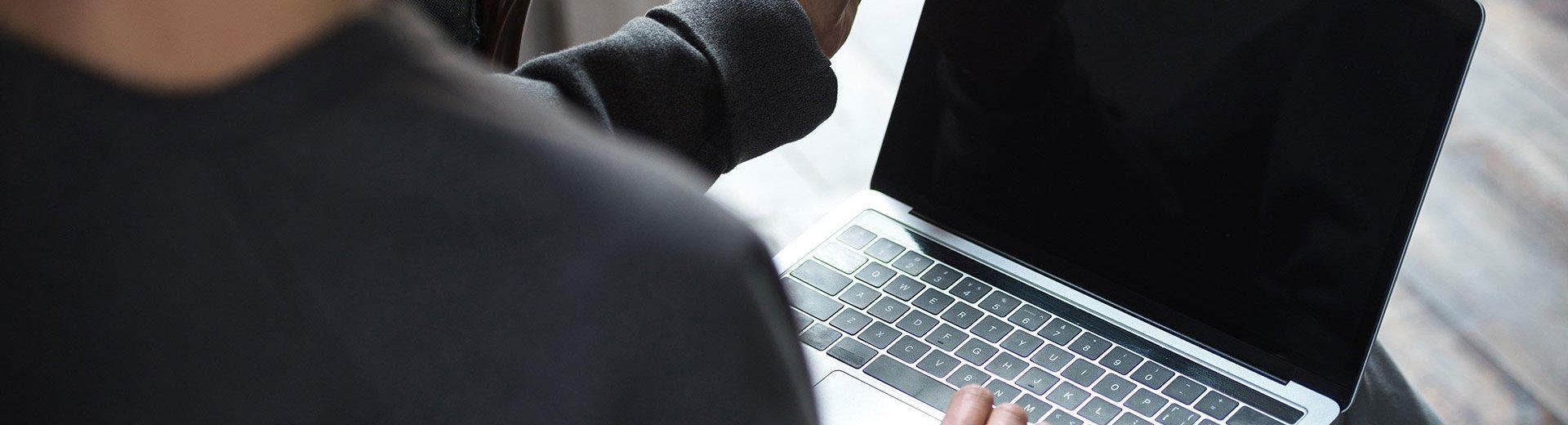Okładka artykułu Weź nie koduj, weź zarabiaj — Naucz się tworzyć strony szybko, bez pisania skomplikowanego kodu