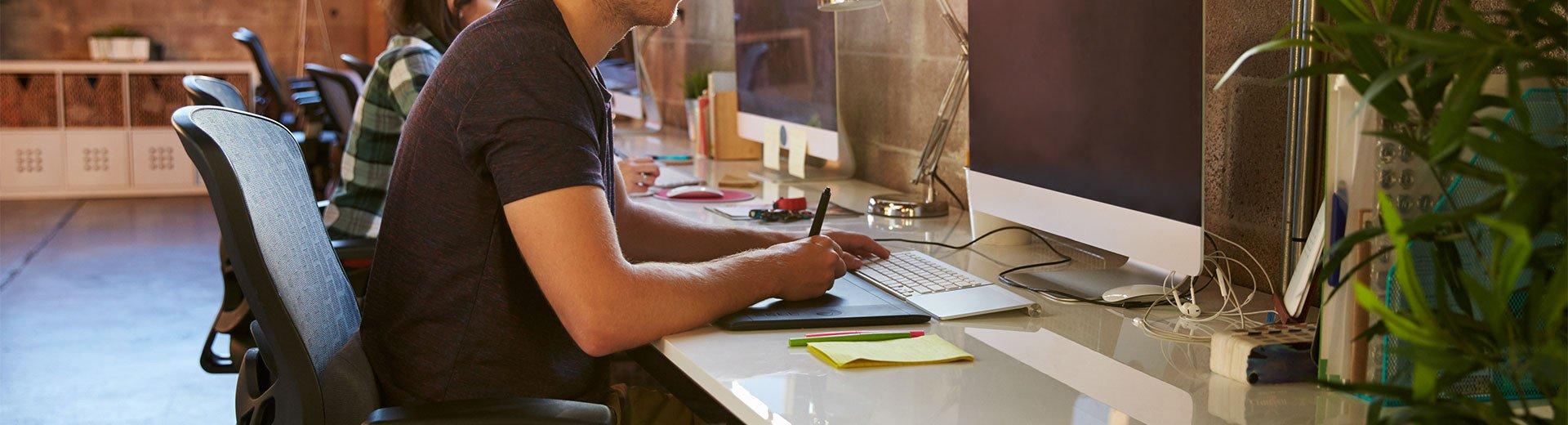 Okładka artykułu Co nowego dla projektantów? — Ciekawe linki, sierpień 2016