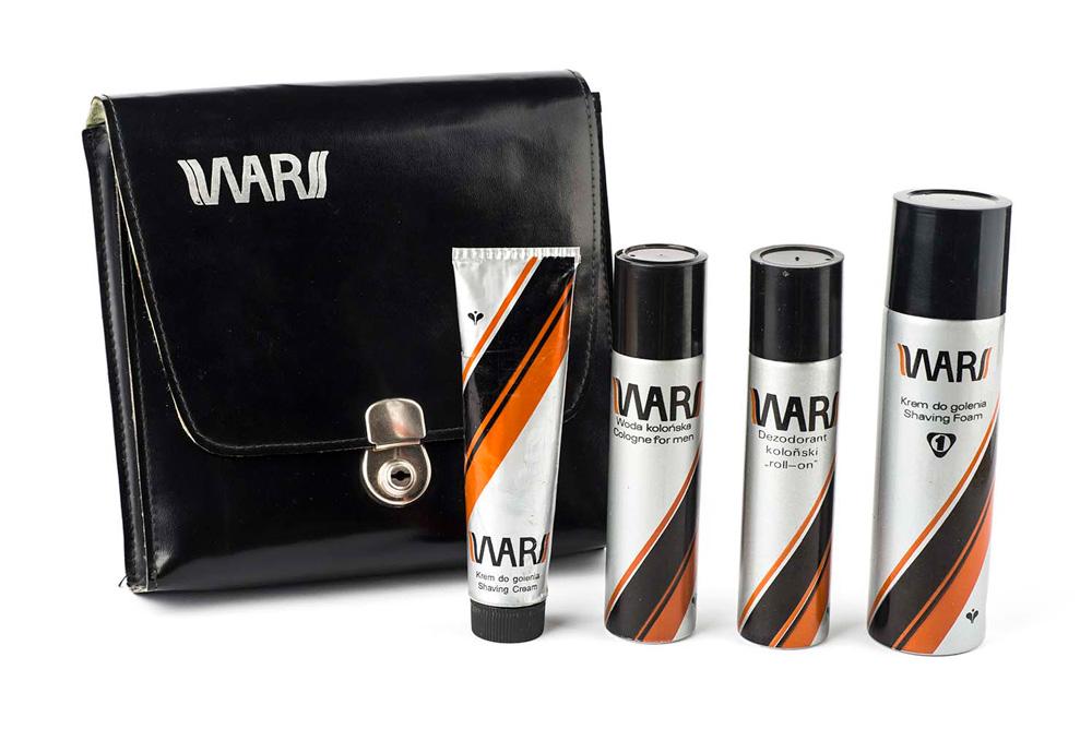 Opakowania kosmetyków Wars zaprojektowane przez Karola Śliwkę