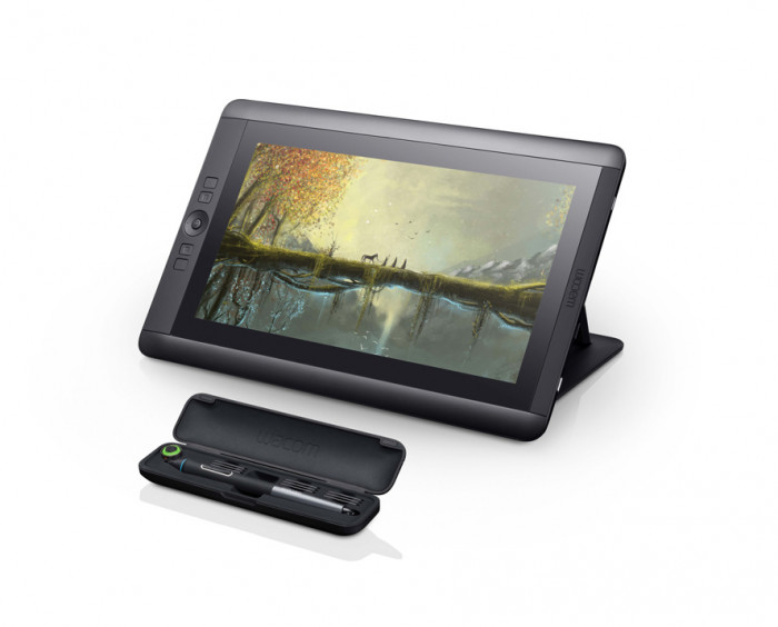Cintiq_13HD_touch_DTH1300_RightView_PenInCase_RGB_low_res