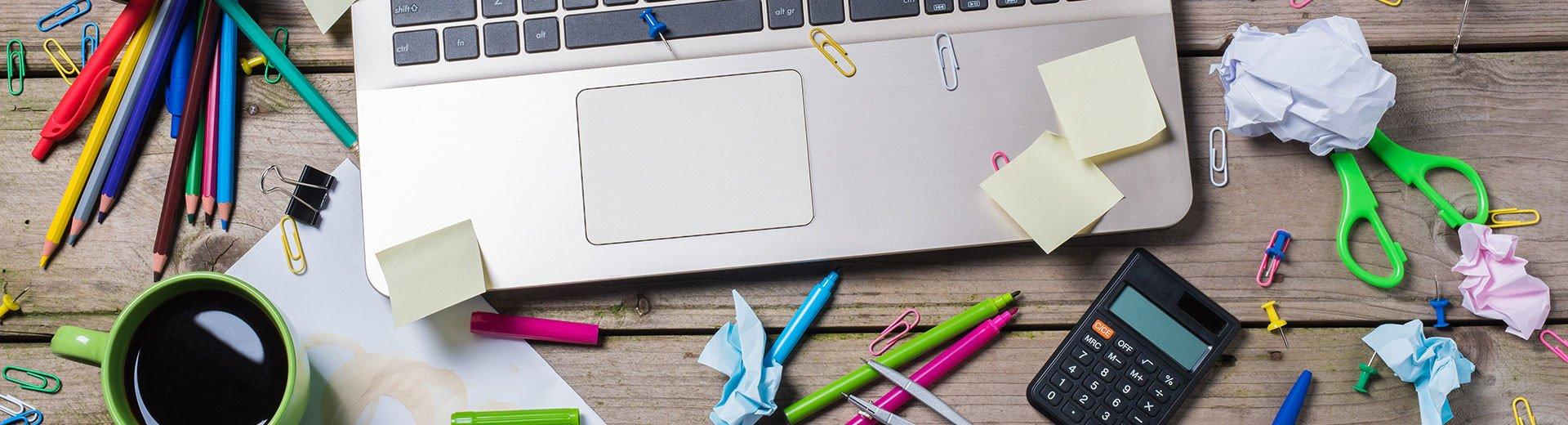 Okładka artykułu Jak nie zginąć w chaosie Photoshopa? — Zarządzanie i organizacja warstw