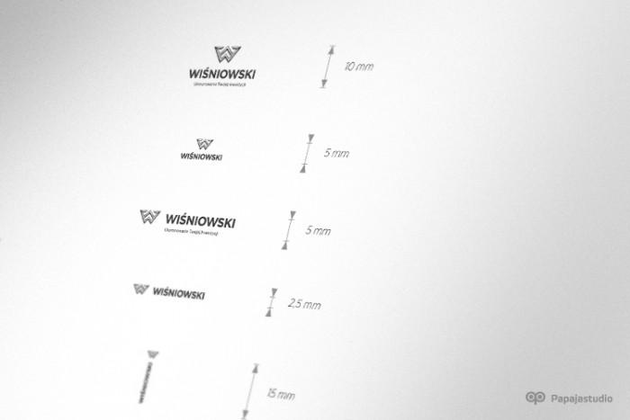 Minimalny rozmiar logo - Księga Znaku dla firmy Wiśniowski