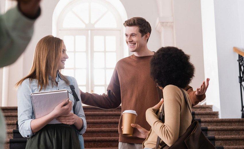 Okładka artykułu Gdzie studiować grafikę? — Przegląd ofert uczelni na 2021 rok
