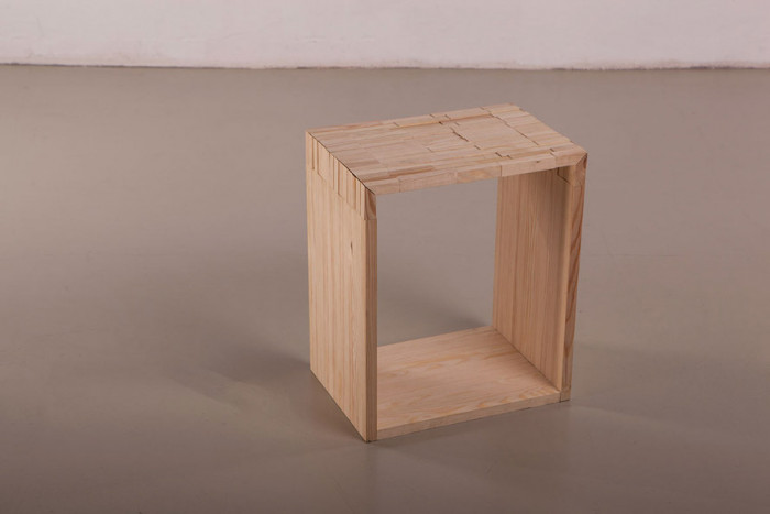 06-Wooden-stool-01