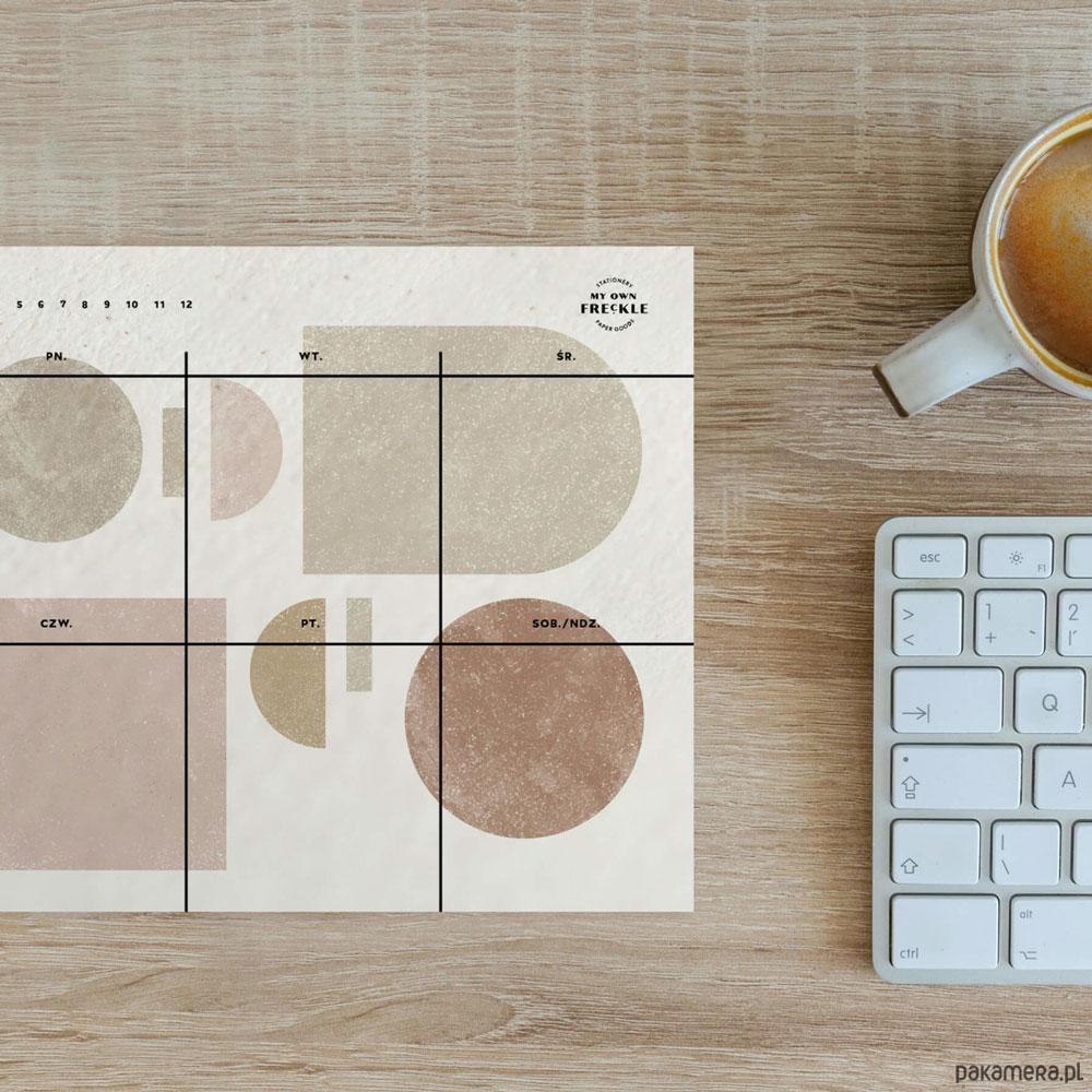 Przegląd kalendarzy i plannerów na 2021 rok