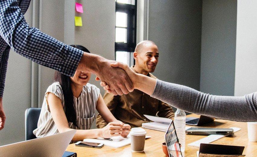 Okładka artykułu Klient idealny — Jak zadbać o dobre stosunki ze zleceniodawcami?