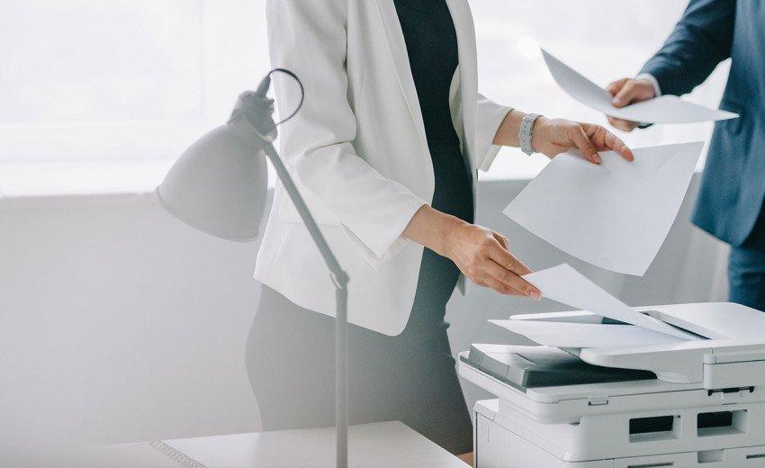 Okładka artykułu Drukarka ze skanerem do biura projektanta — Na co zwrócić uwagę przy zakupie?