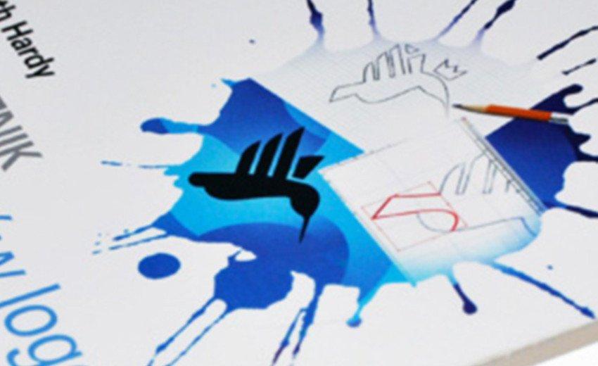 Okładka artykułu Podręcznik projektantów logo — Gareth Hardy – recenzja