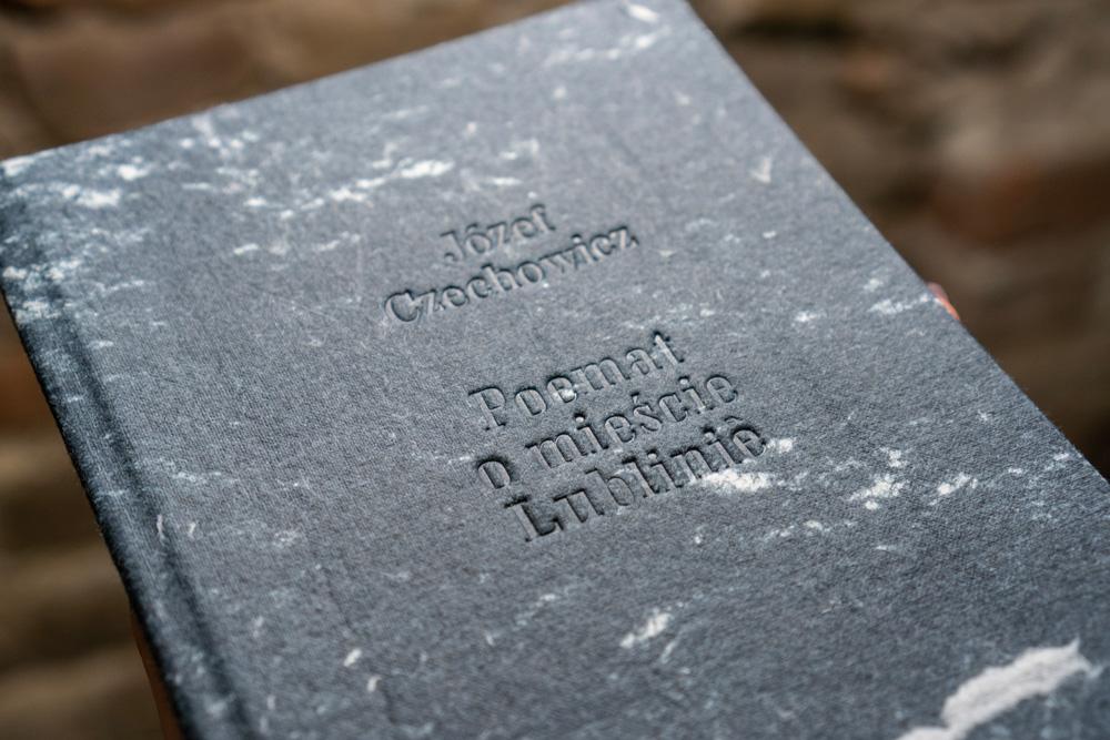 Okładka z tłoczeniem, fot. Paulina Olszewska
