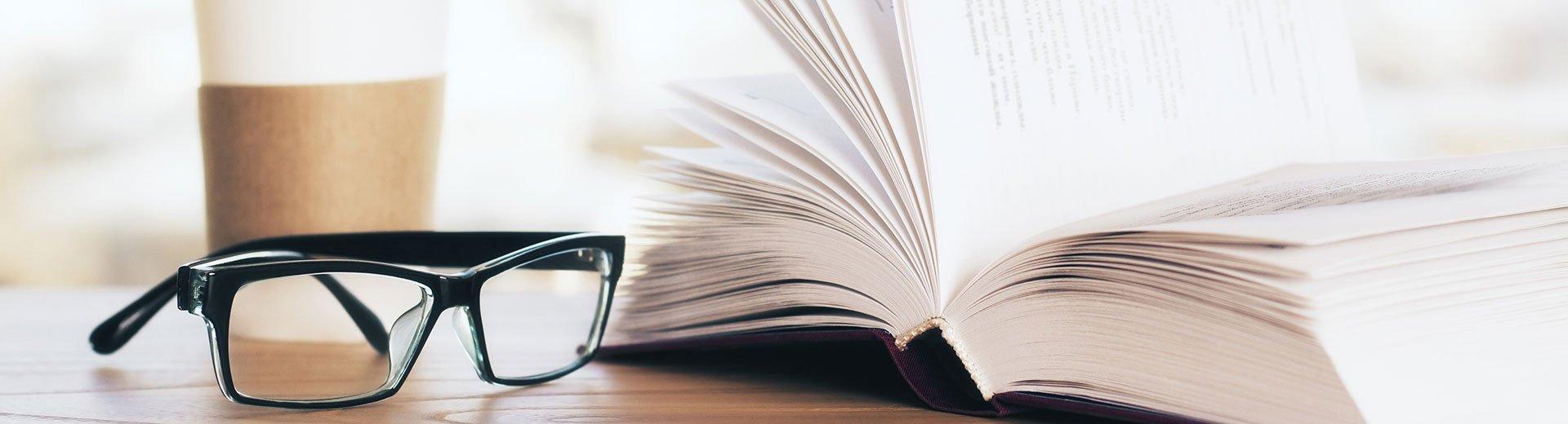 Okładka artykułu Wasze pytania z zakresu prawa autorskiego — Odpowiada Akradiusz Szczudło