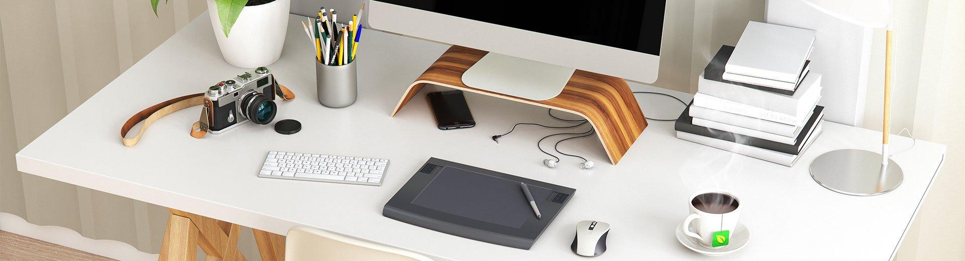 Okładka artykułu Jak powinno wyglądać Twoje miejsce pracy? — Zaglądamy na biurka polskich projektantów