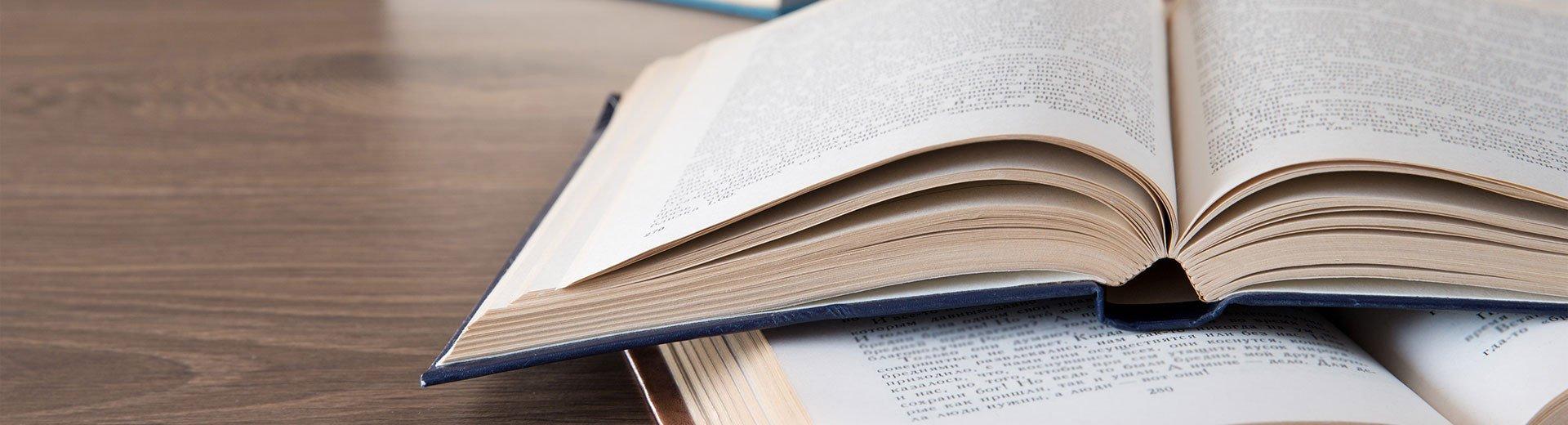 Okładka artykułu Wybór formatu składanej książki lub dokumentu — Jak dobrać odpowiednią wielkość strony do potrzeb projektu?