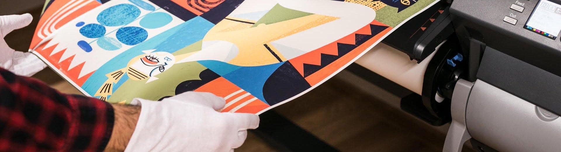 Okładka artykułu Druk pigmentowy — Czym się charakteryzuje, kiedy go stosować i jak przygotować pliki?