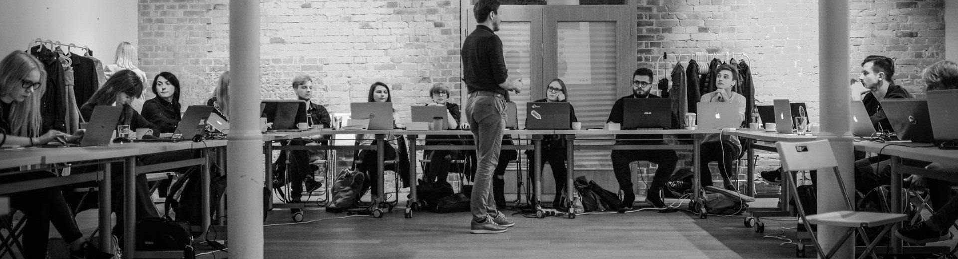 Okładka artykułu Ucz się od najlepszych — Na kursie Sztuka Projektowania, luty–kwiecień 2018