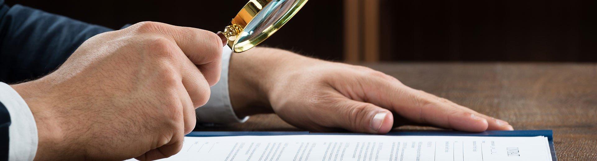 Okładka artykułu Umowa między grafikiem a klientem — 9 elementów, które Cię zabezpieczą