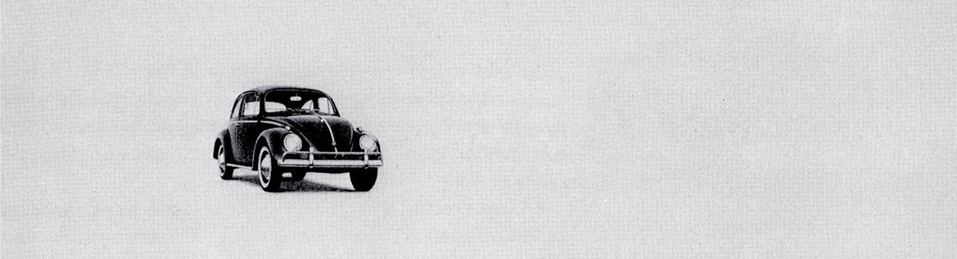 """Okładka artykułu VW Garbus w kampanii """"Think small"""" — Reklama, która puściła oko do odbiorców"""