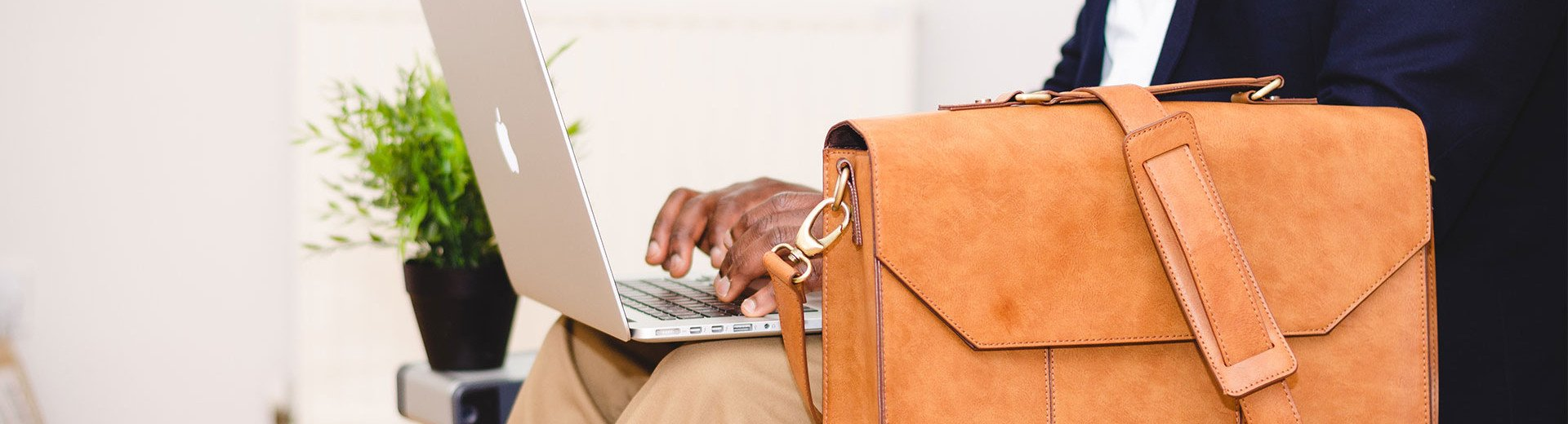 Okładka artykułu Kiedy zarejestrować działalność gospodarczą? — Praca zarobkowa z perspektywy prawnej